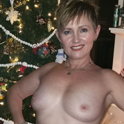 The Mrs. Claus - Topless Wives, Big Tits, Mature, Amateur
