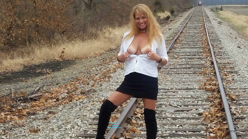 Pic #1Daizy Playing On The Cold Railroad Tracks - Big Tits, Outdoors, Shaved, Amateur