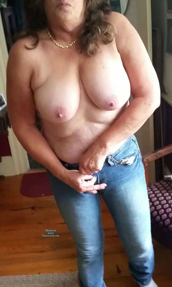 Amateur huge cock fucking tight pussy