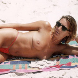 Tanned And Topless On The Beach - Nude Girls, Beach, Outdoors, Amateur