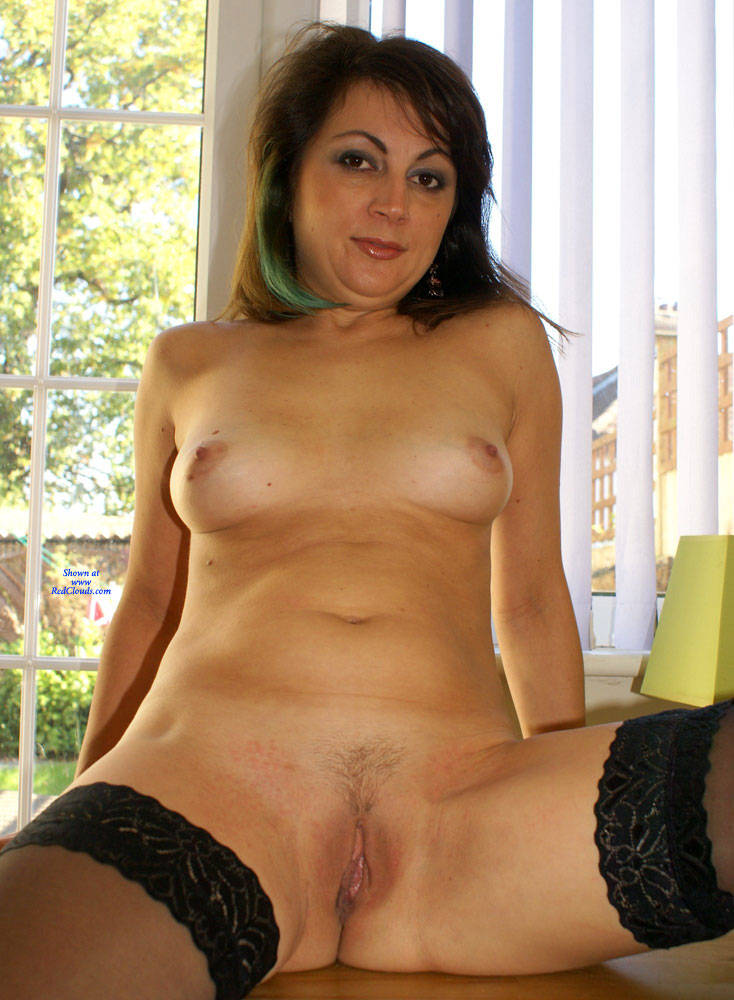 Pic #1Anna New Hairdo And New Outfit - Nude Girls, Brunette, Amateur