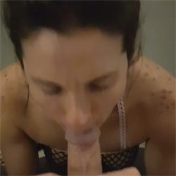 Rapid Blow - Brunette, Blowjob, Amateur
