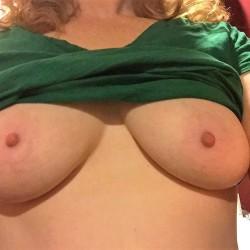 Medium tits of my girlfriend - Ginger