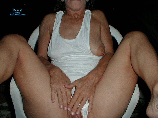 Pic #1Sexy In White - Outdoors, Wife/wives, Amateur