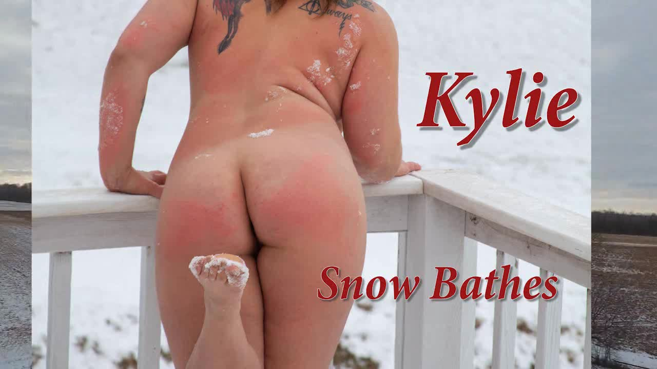 Pic #1Snow Bathing - Nude Girls, Big Tits, Brunette, Outdoors, Shaved, Amateur, Tattoos