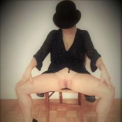La Parisienne - Pantieless Girls, Big Tits, High Heels Amateurs, Shaved