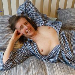 Lazy Sunday - Brunette, Mature, Shaved, Amateur, Milf