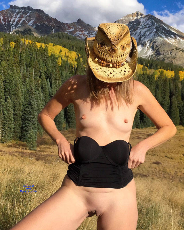 Pic #1Nirvana Pleated Skirt - Nude Girls, Outdoors, Small Tits, Shaved, Nature, Amateur, Girls Stripping