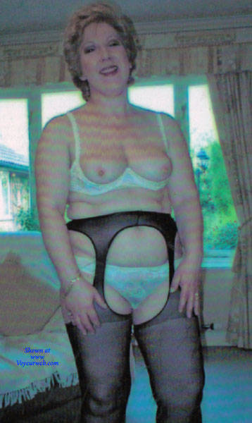 Pic #1 Mature Housewife Strips - Wives In Lingerie, Mature, Amateur, Stockings Pics