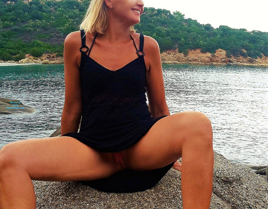 Pic #1No Panties Beachwalk - Beach, Blonde, Outdoors, Amateur