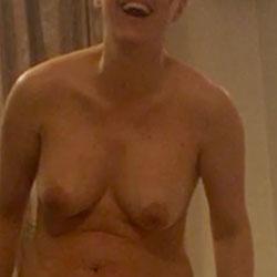 Roxana Full Naked Again - Nude Wives, Big Tits, Amateur