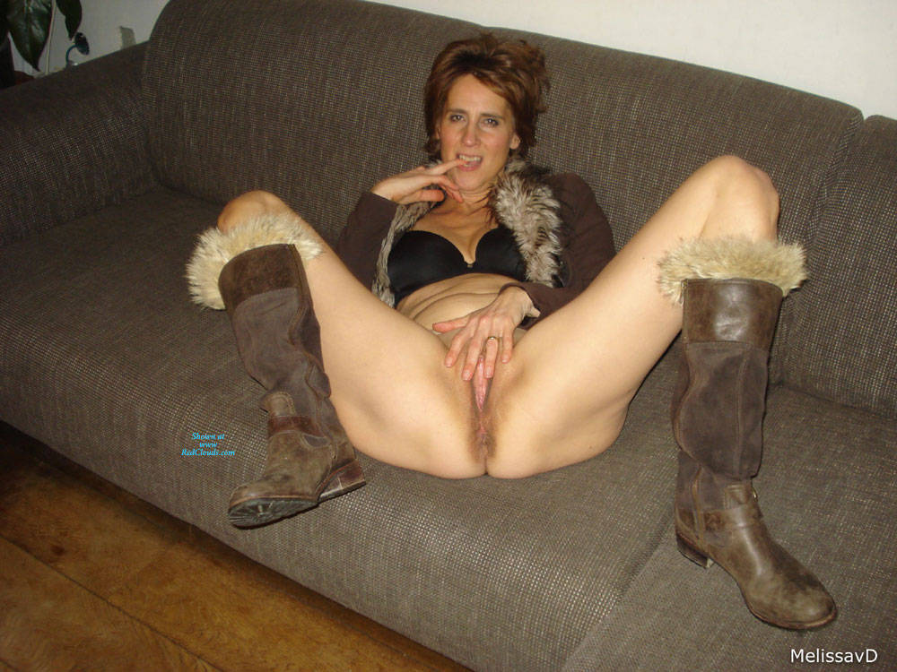Pic #1Dutch Melissa On The Couch 3 - Pantieless Girls, Mature, Shaved, Amateur, Legs Spread Wide Open