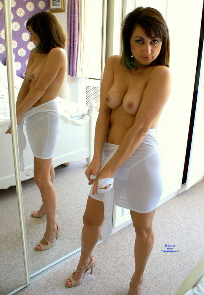Pic #1Anna  - White Dress - Nude Girls, Big Tits, Brunette, Amateur, Girls Stripping