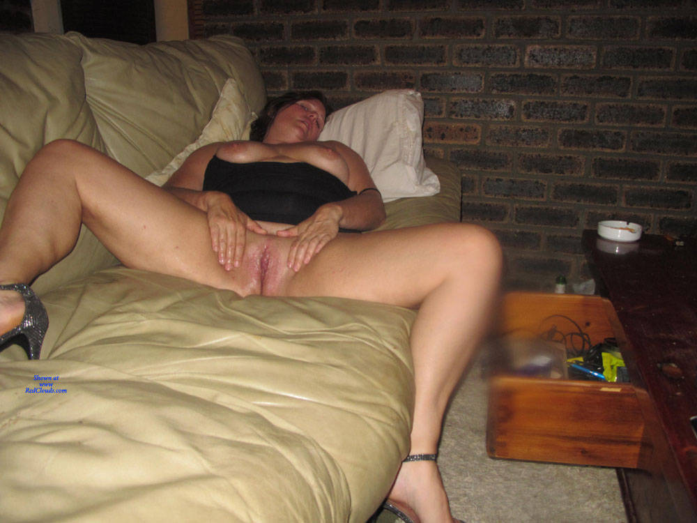 Pic #1MrsPenny - Nude Girls, Shaved, Amateur, Legs Spread Wide Open