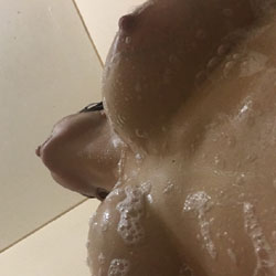 Horny - Big Tits, Shaved, Close-ups, Pussy, Amateur