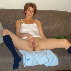 Melissa In Her White Shirt - Mature, Shaved, Amateur