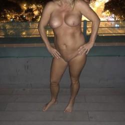 My medium tits - Hotwife@52