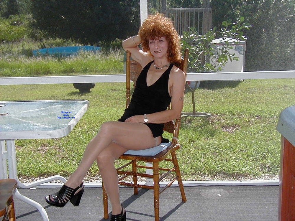 Pic #1 Playing Outside - Lingerie, Redhead, Amateur, Stockings Pics, High Heels Amateurs, Dressed