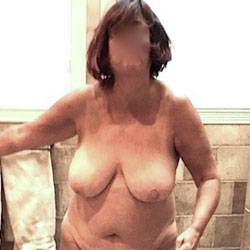 My Sexy Tits - Nude Girls, Big Tits, Brunette, Mature, Amateur