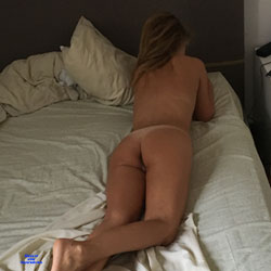New Entry - Nude Wives, Amateur