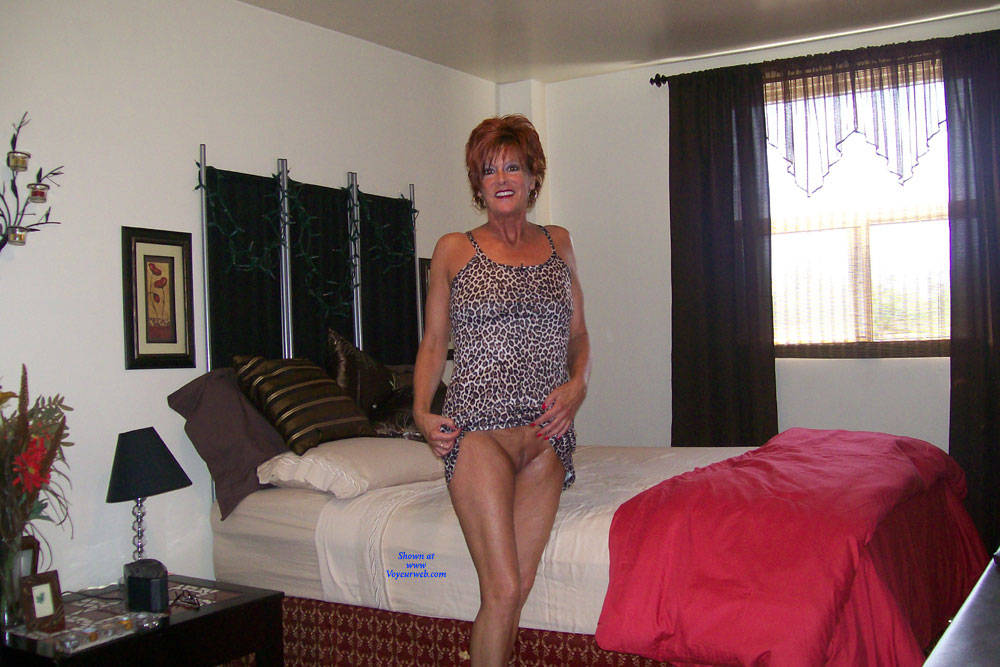 Pic #1 Tan And Delicious - Nude Wives, Mature, Redhead, Shaved, Amateur