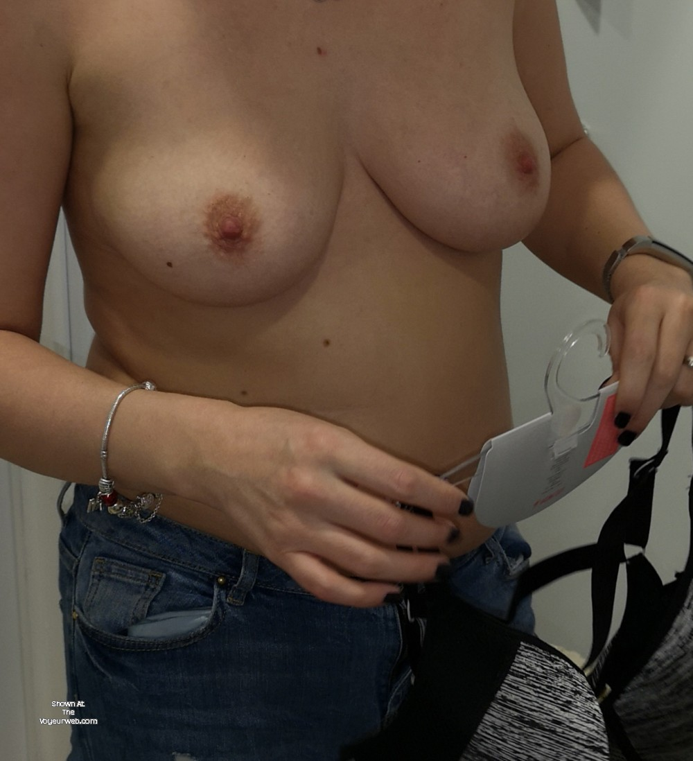 Pic #1My medium tits - Harri uk
