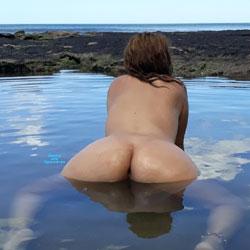 Enjoying The Sea Water - Nude Girls, Outdoors, Amateur