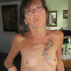 Heels - Nude Girls, Brunette, High Heels Amateurs, Mature, Small Tits