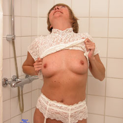 Hotel Shoot - Big Tits, Lingerie, Amateur, Stockings Pics, Shaved