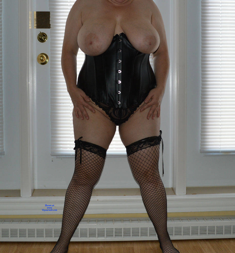 Pic #1 Showing Off My 38DDs - Big Tits, Lingerie, Mature, Amateur, Stockings Pics