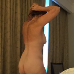 Hotel Fun - Nude Amateurs, Brunette, Mature