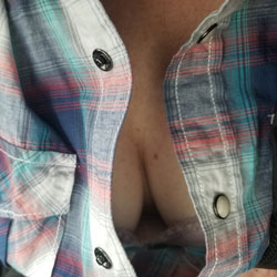 Cleavage To Bare - Big Tits, Mature, Amateur