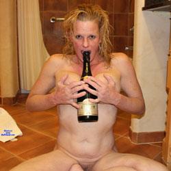Nikki Hotel Fun Champagne