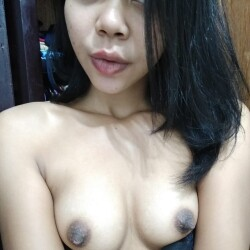 Small tits of my ex-girlfriend - My name is Claudia