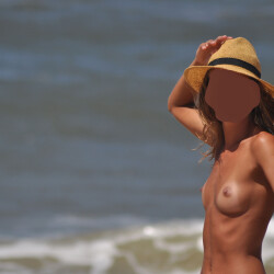 My medium tits - Naty loves beach days