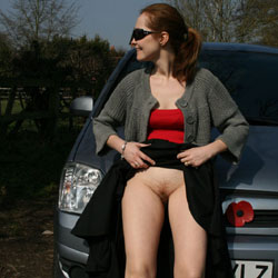 The Sun Comes Out I Loose My Panties - Brunette, Outdoors, Bush Or Hairy, Amateur