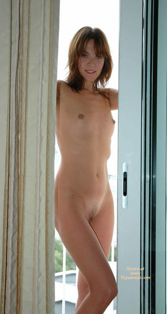 amateur Full girl nude frontal