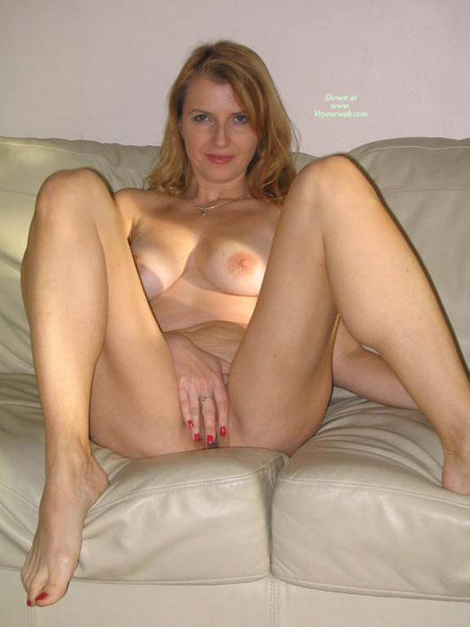 blonde spread Nude amateurs