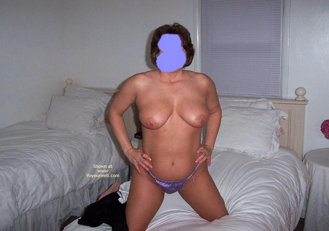 Pic #1 Shania Bedroom Shots