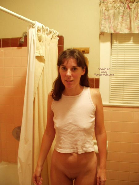 Pic #1 Amy Shaving In The Shower