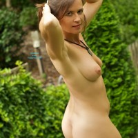 VanessaB - Brunette, Outdoors