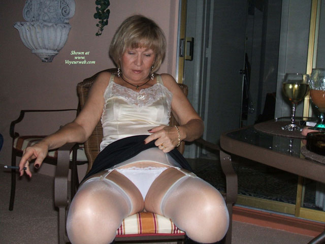 She Wants To Show , She Wants To Show More But Is Shy Comments Will Give Her More Confidence