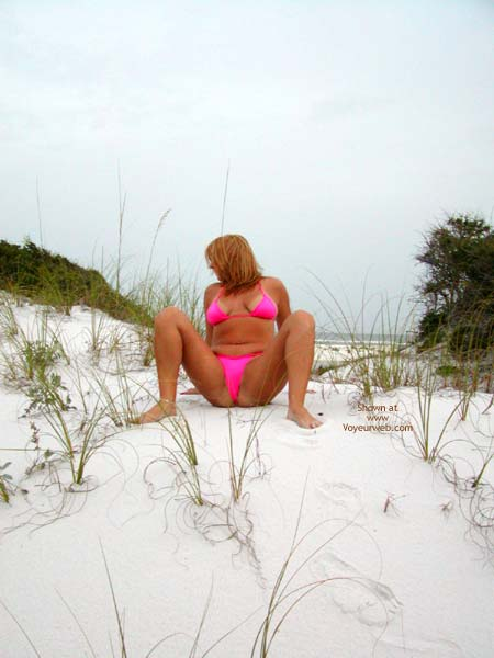Pic #1 Soo Hot At The Beach Pink Thong 2