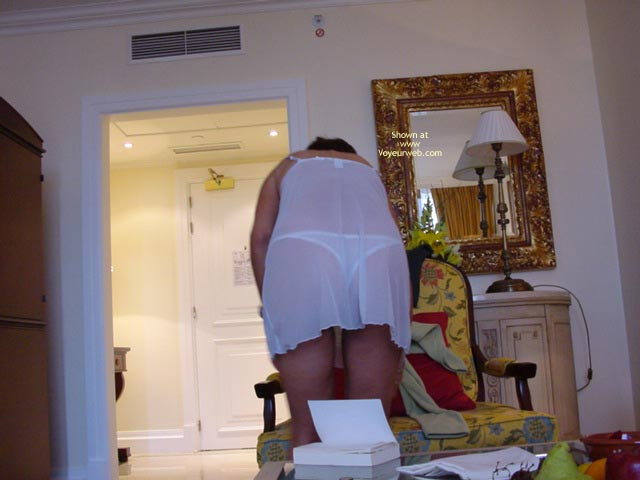 Pic #1 Wife Teasing Me In Hotelroom Serie 1
