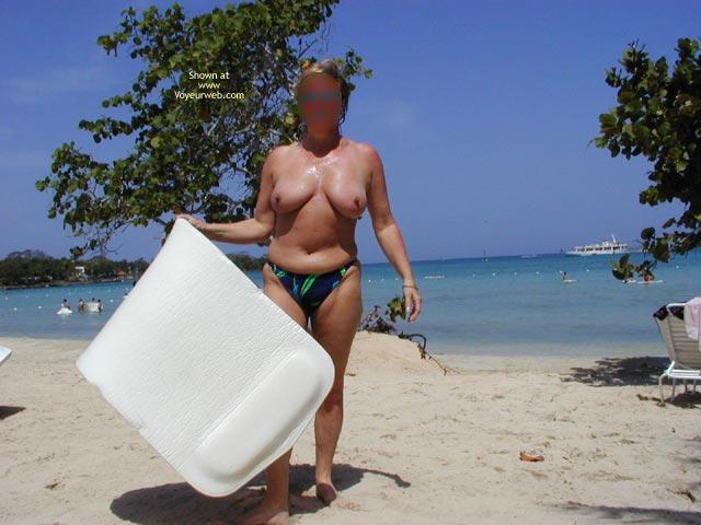 Pic #1 Hornypie In Jamaica