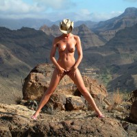 Standing Spread-eagle At The Grand Canyon - Long Legs, Nude Outdoors, Pierced Nipples, Spread Legs, Naked Girl, Nude Amateur, Spread Eagle , Nude Girl With Shoes, Full Frontal Nude, Standing In Nature, Standing Outdoors, Cowboy Hat, Legs Spread Wide, Pink High Heel Sandals, Nature Nude, Outdoor Frontal Nude, Grand Canyon, Totally Nude At A Canyon, Long Lean Legs