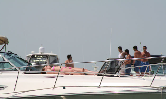 Gull Island , Just More Crazy Women Showing Off The Goods