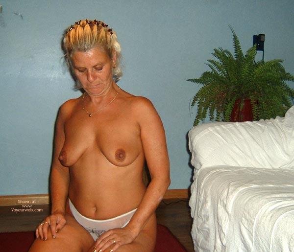 Pic #1 Mn 38yo Dutch Hard Nipples