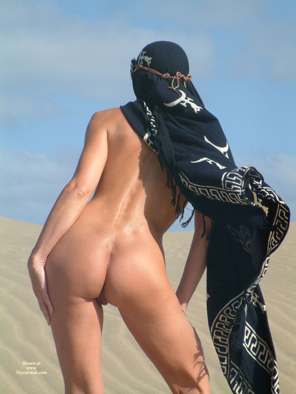 Standing Nude In Dessert - Naked Girl, Nude Amateur , Nude Back View, Pussy Peaking Out Between Open Legs, Butt In Nature, Back Ass, Ass In The Desert, Back To Camera, Sand Dune, Blue Sky, Back View Nude On Dessert With Headdress On, Standing Upon Sand Dune