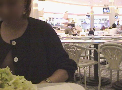Pic #1 My Xcheerleader At Food Court